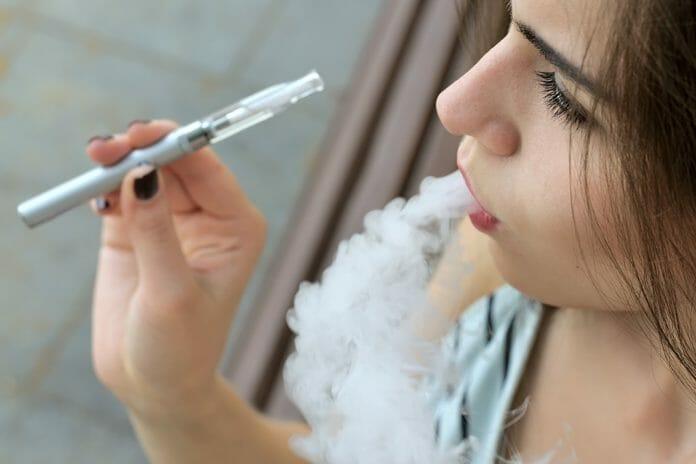 vaping cigarettes oral cancer